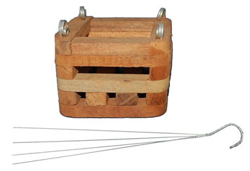4 inch basket, with hanger